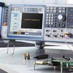RF) Signal Generator Market
